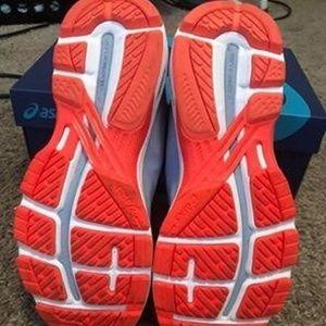 Asics Shoes - Asics GT-2000 7